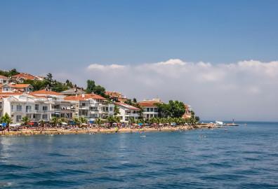 أفضل الأماكن لشراء شقة على البحر في إسطنبول cover